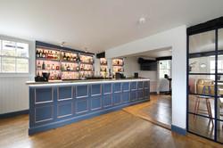 Nye Saunders, Rose & Crown Pub