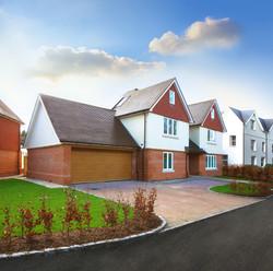 Bookham Grange, Nye Saunders