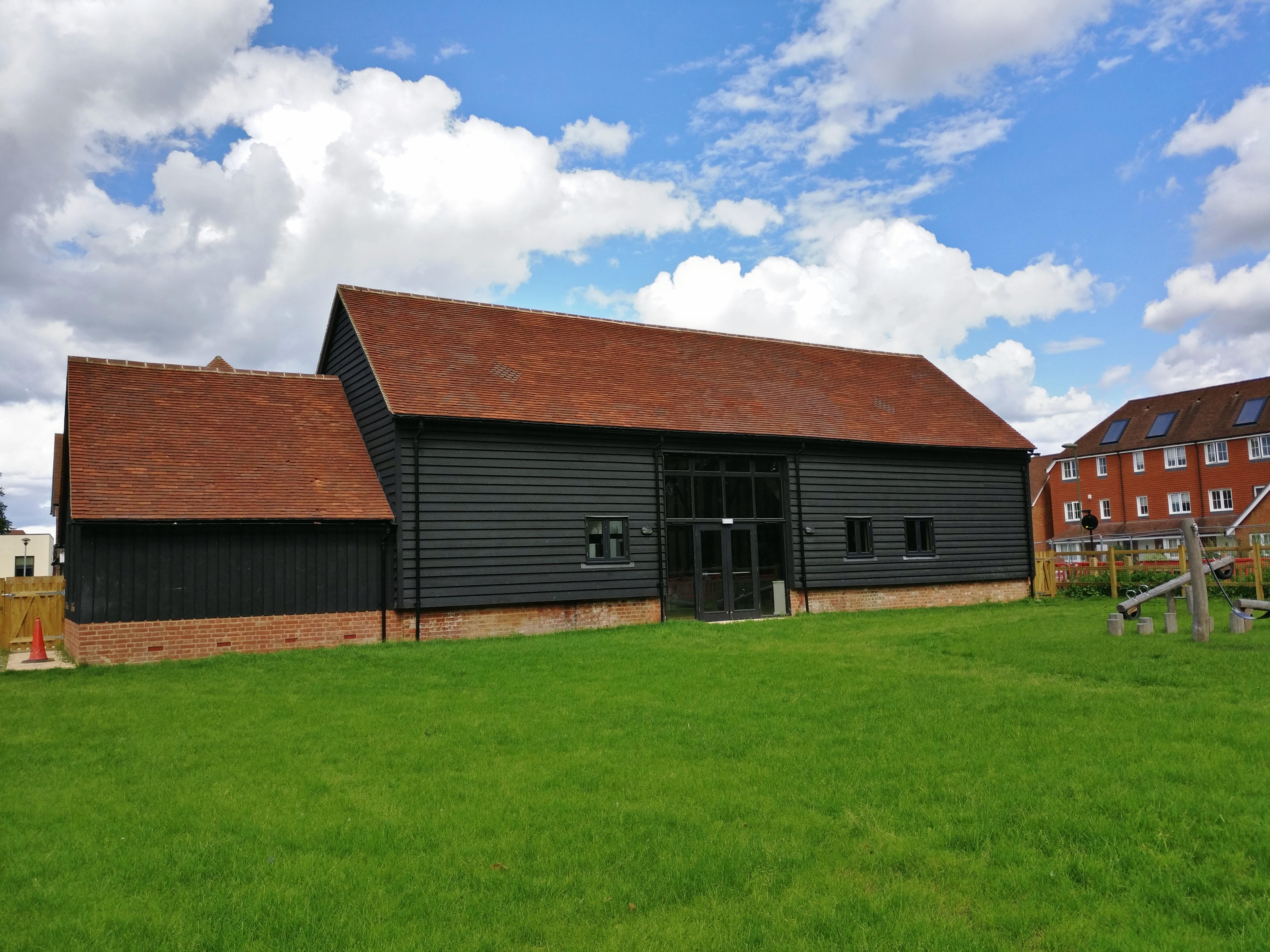 Nye Saunders, Tanyard Barn