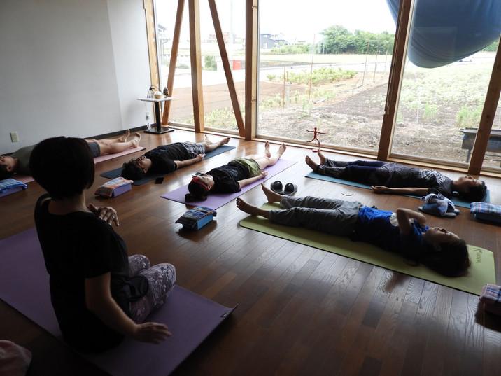 work@(ワークアット)   ストレスケア・ヘルスケア・マインドフルネス・アクティビティ(ヨガ・瞑想)_3