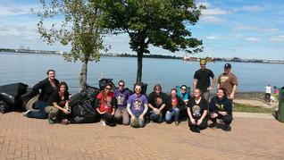 South Jersey Roller Derby cleans up Delaware River Shoreline