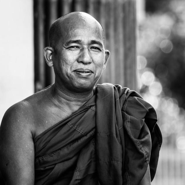Mönch in Yangon