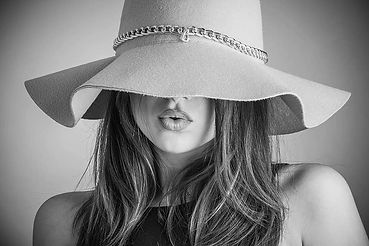 fashion-beautiful-woman-woman-hat-coveri