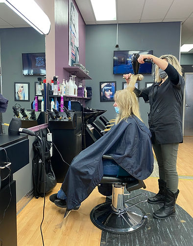 women's hairstyling
