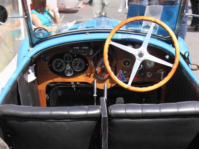 Für die Zulassung als historisches Fahrzeug (H-Kennzeichen) gelten strenge Anforderungen: Mindestens 30 Jahre alt, in erhaltenswertem Zustand und natürlich absolut verkehrssicher.