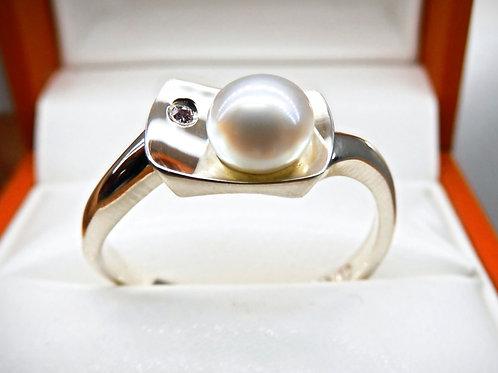 9ct White Gold Keshi & Pink Diamond Ring