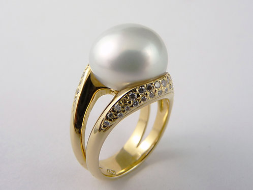 Baroque Cultured Pearl & Diamond Ring 210211