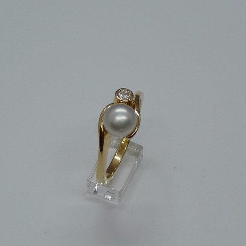 220722 18ctyg Keshi and Diamond ring