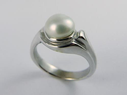 18ct White Gold Keshi Ring