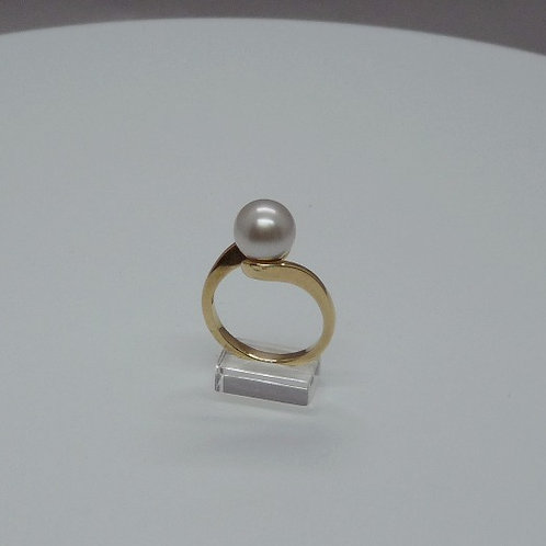 9 carat Cultured Pearl Ring