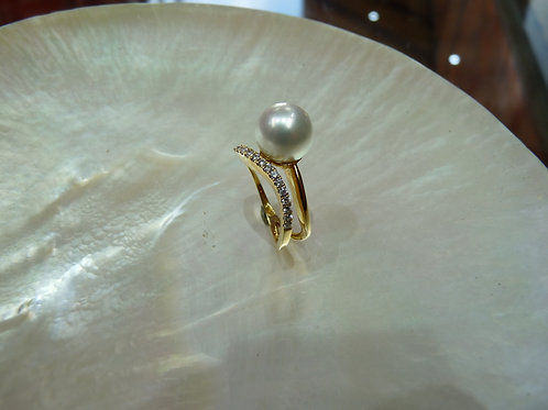 18ct Gold Pave Diamond & Pearl Ring