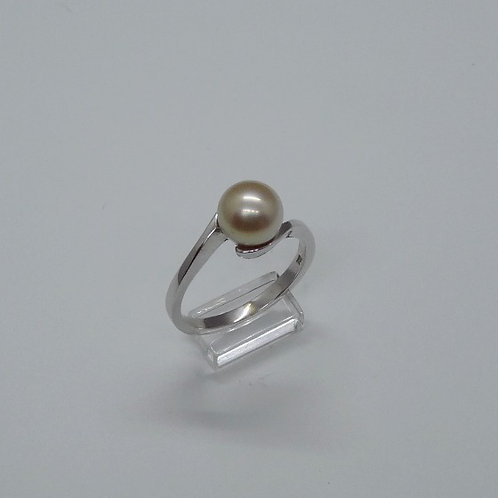 18ct White Gold 8mm Cultured Pearl ring