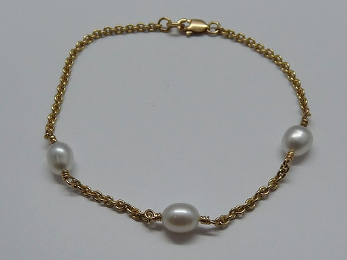3 Keshi & 9ct Gold Bracelet