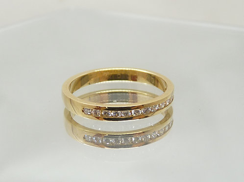 18ct Gold & Paved Diamond Ring