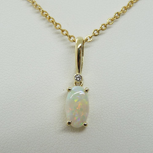 14ct Gold & White Opal Pendant