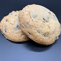 2 pack of Chocolate Chip Cookies
