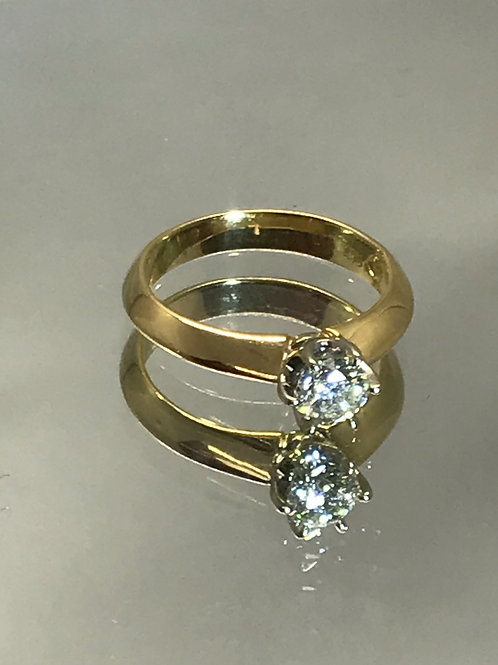250313 18ct Yellow Gold .55ct  Diamond ring