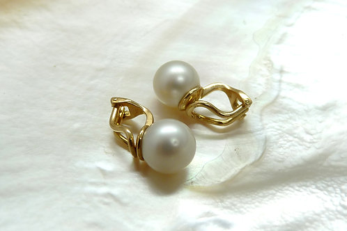18ct Yellow Gold & Pearl Clip-on Earrings