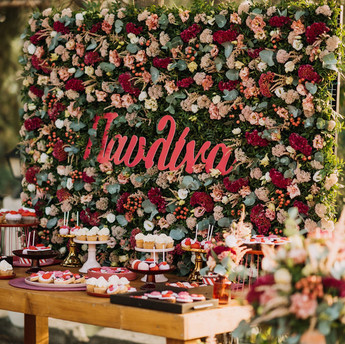 Pavlina   Welcome Table