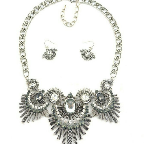 Fly Away Feather Necklace Set