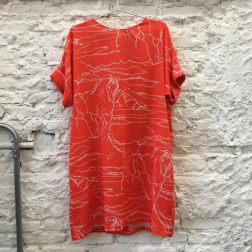 Vestido Quadrado Cavalos Coral