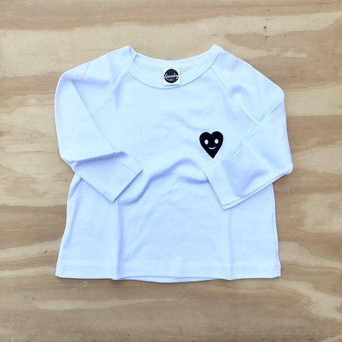 Camiseta ml bordado coracao