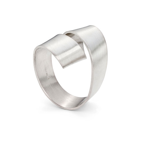 Jodie Hook- Ribbon Loop Ring