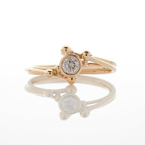 YEN- Fine Diamond Solitaire Flow 9ct Gold Ring