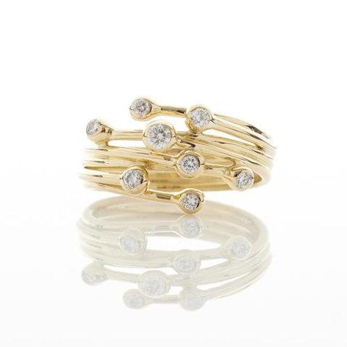 YEN- 8 Diamond 18ct Yellow Gold Ring
