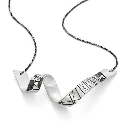 Jodie Hook- Striation 1 Loop V Small Necklace