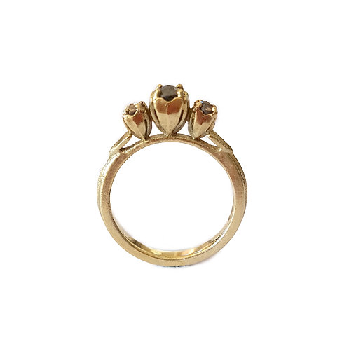 JO POND- 3 Stone Shepherds Purse Seeds ring 14ct yellow