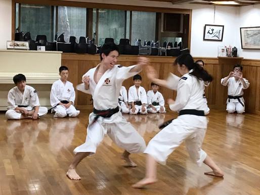 関東学生大会男女2段以上の部 第1位の 早稲田大学 村上・山口組 が演武を披露しに来てくれました!