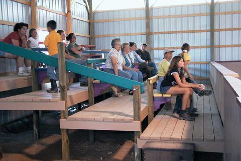 480_indoor_seating.jpg