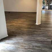 Perfectly flat finish after laying vinyl planks over levelled floor