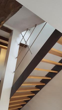 Escalier droit métal brut - hêtre