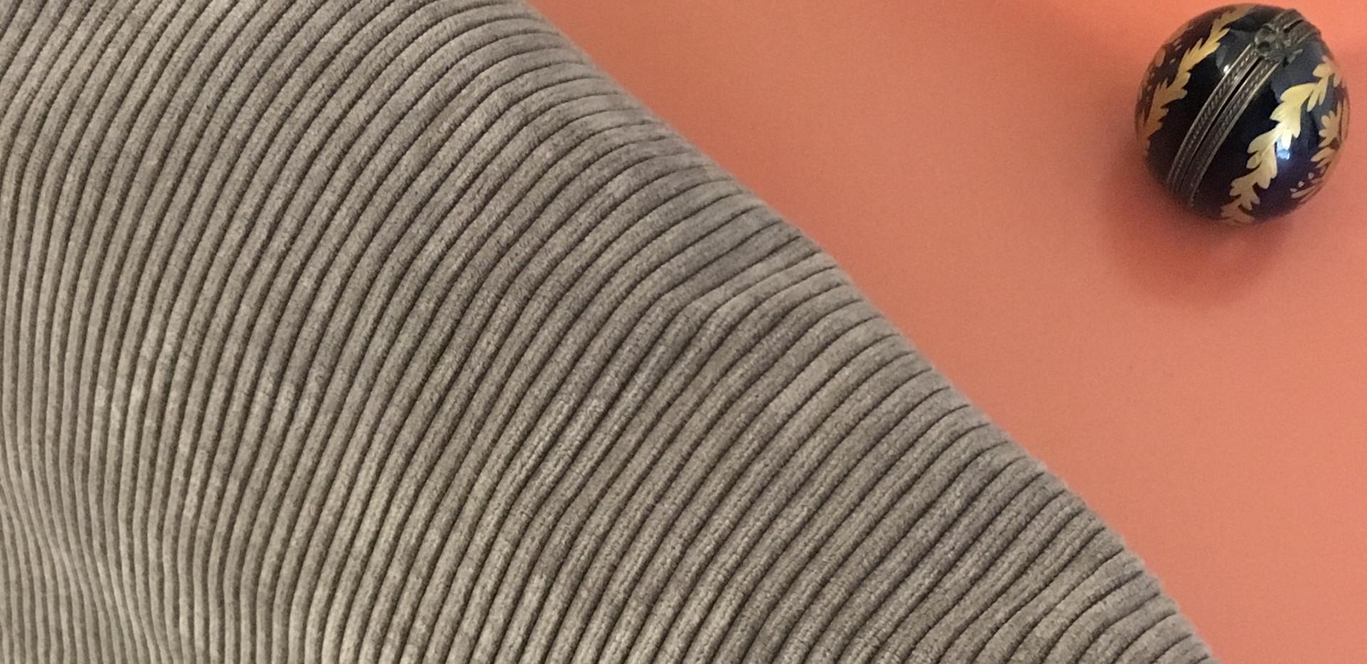 Housse de coussin velour côtelé gris taupe