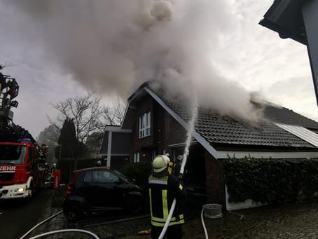 Brand in Büdericher Wohnhaus