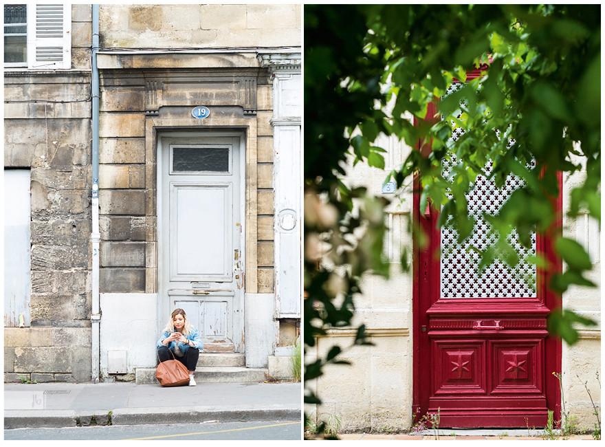 links: Bordeaux, rechts: Soulac sur Mer, Türen, Mädchen sitzt vor Tür, rote Tür