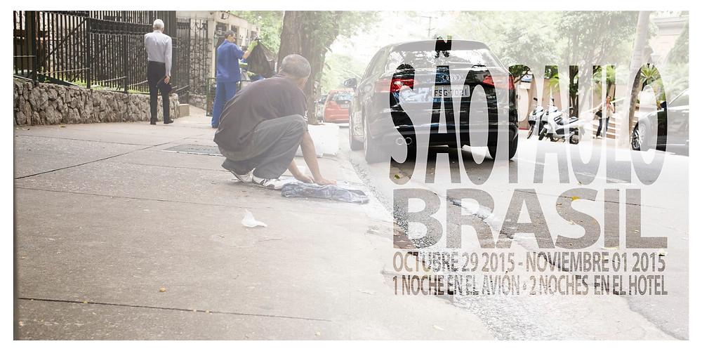 Sao Paulo Konstrast arm und reich, Brasilien, Mann wäscht Wäsche an der Straße, Wäsche waschen