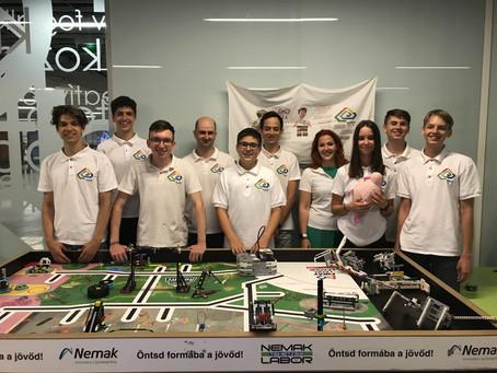 Robotépítő és -programozó verseny világdöntőjébe jutott a Mobilis csapata