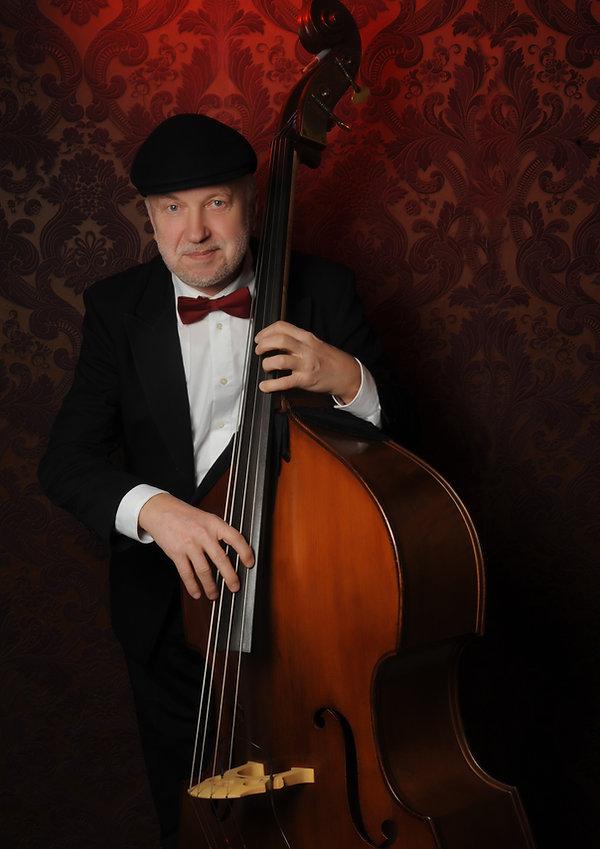 Peter Blazeowsky Kontrabass