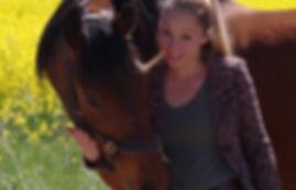 Sarah Piorkowsky Coaching Am Pferd.jpg