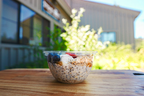Berry Chia Overnight Oats