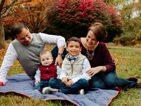 Centennial Park Family Portraits / Maryland Portrait Photographer / The Gavidia Family