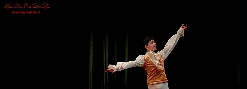 The gold, coreografia Lola Fejzo