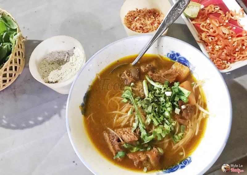 越南美食,胡志明美食,街頭小吃,越南必吃,越式燉牛肉,越南必吃