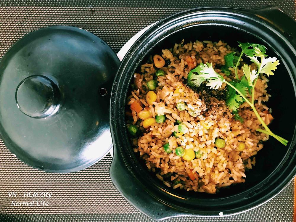 cơm chiên hải vị 海味炒飯