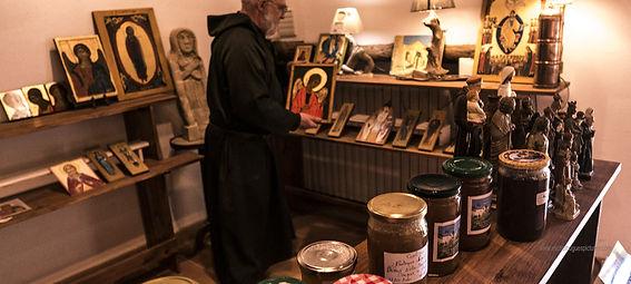 Lors de vos séjours ou de vos visites n'oubliez pas de découvrir la boutique du Prieuré