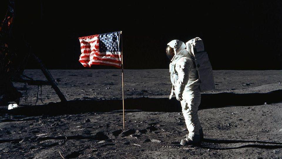 Cinquant'anni dall'allunaggio (foto da: La Stampa)