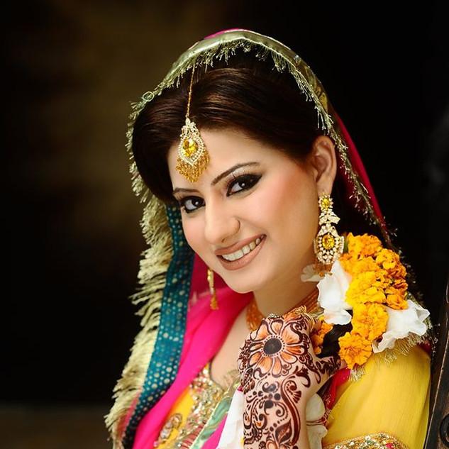 09 Mehndi by Zara, Asian Bridal Makeup Artist London